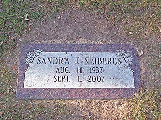 Sandy Headstone IMG_3300