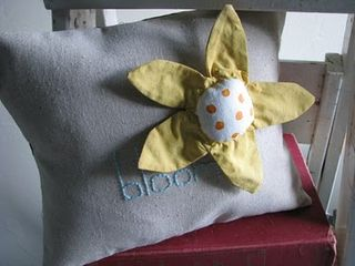 Ornie Pillow Hand Bloom